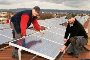 Photovoltaikanlage auf Flachdach installieren