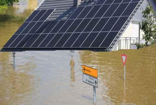 Photovoltaik Solaranlage bei Hochwasser