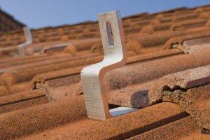 Dachhaken für Unterkonstruktion einer PV Anlage